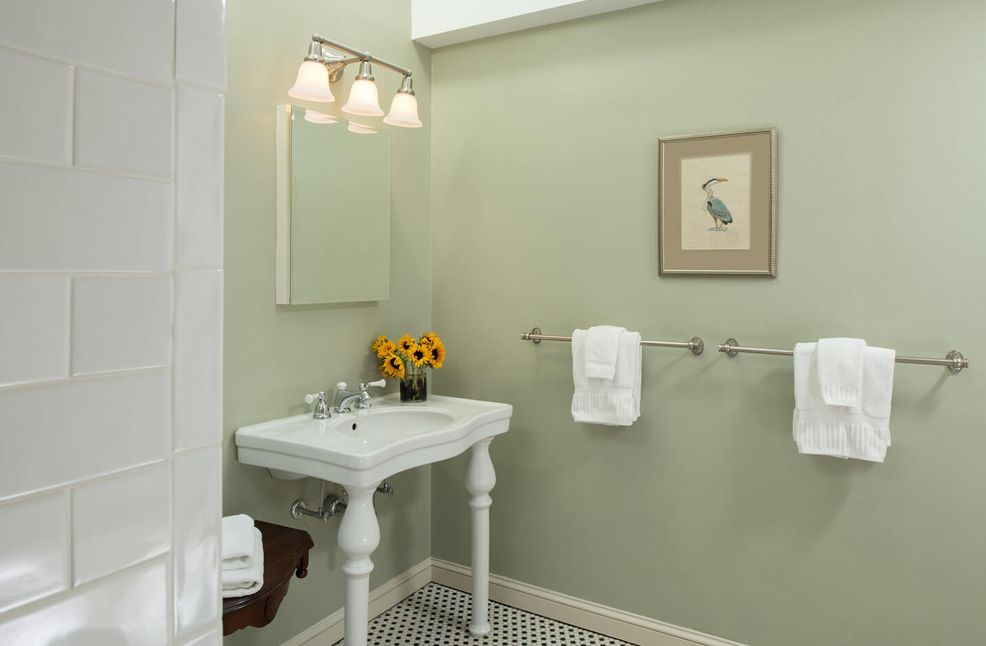 Roese Room bathroom at our Eastern Shore bed and breakfast