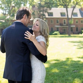 Maryland elopement couple in front of Great Oak Manor