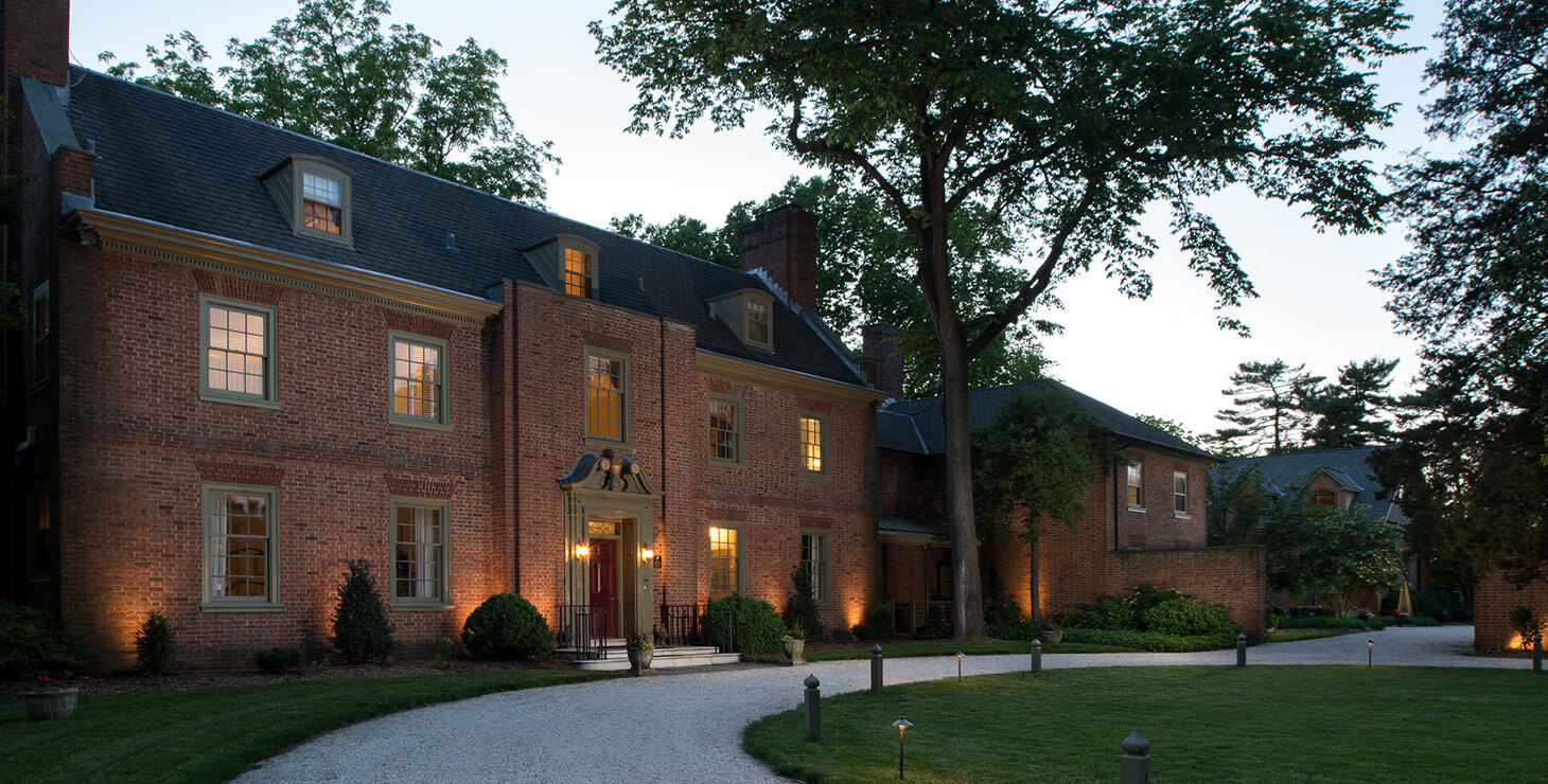 Great Oak Manor in the evening