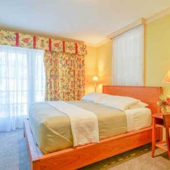Our Sterling room offers exceptional Chestertown, MD Lodging