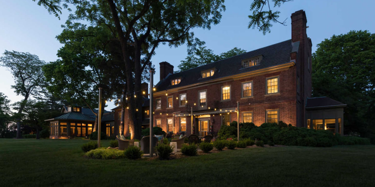 Night view of Great Oak Manor, wedding venue in Maryland